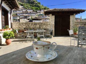 Morgen-Kaffe in Berat